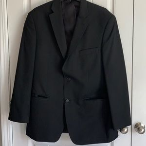 Hagar two piece suit with tie